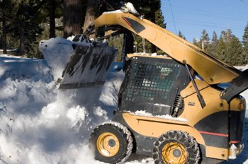 commercial-snow-plowing-bobcat-work-ma